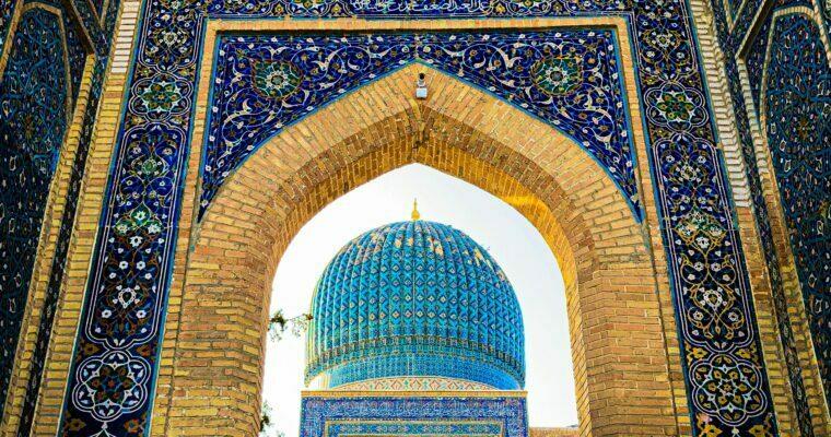 Cúpulas azules en la ruta de la seda en Uzbekistán